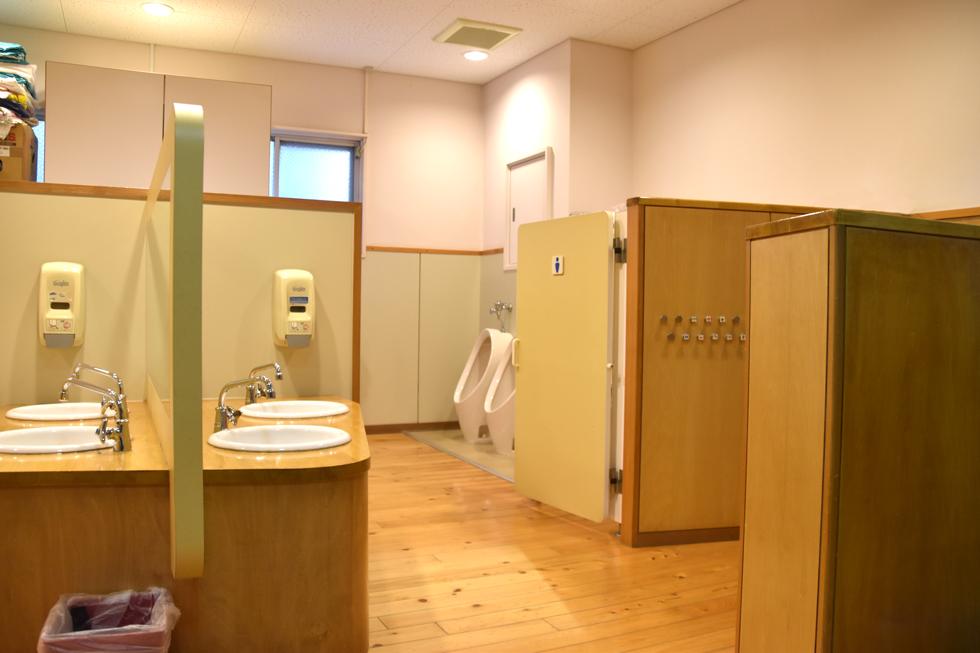 トイレは清潔に保たれています。